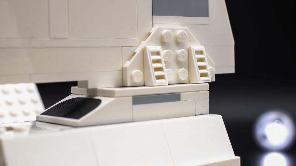 LEGO Star Wars 75302 Imperial Shuttle 9