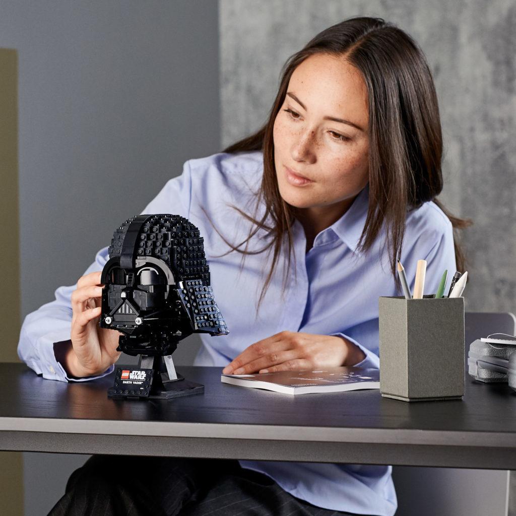 LEGO Star Wars 75304 Darth Vader Helmet 2 1024x1024