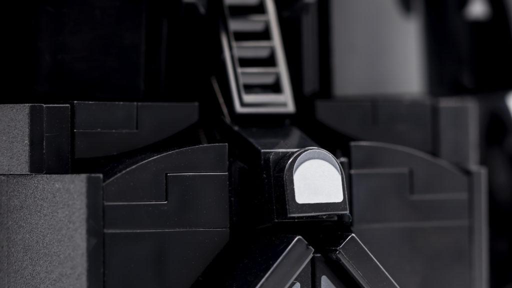 LEGO Star Wars 75304 Darth Vader Helmet 23
