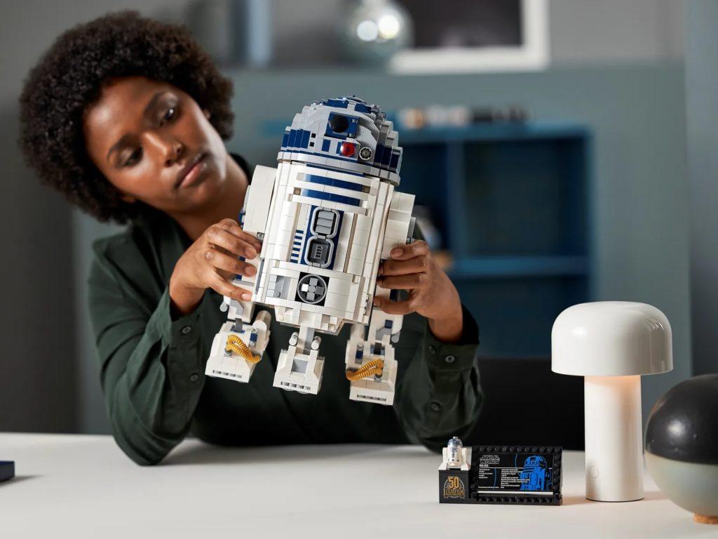 LEGO Star Wars 75308 R2 D2 24