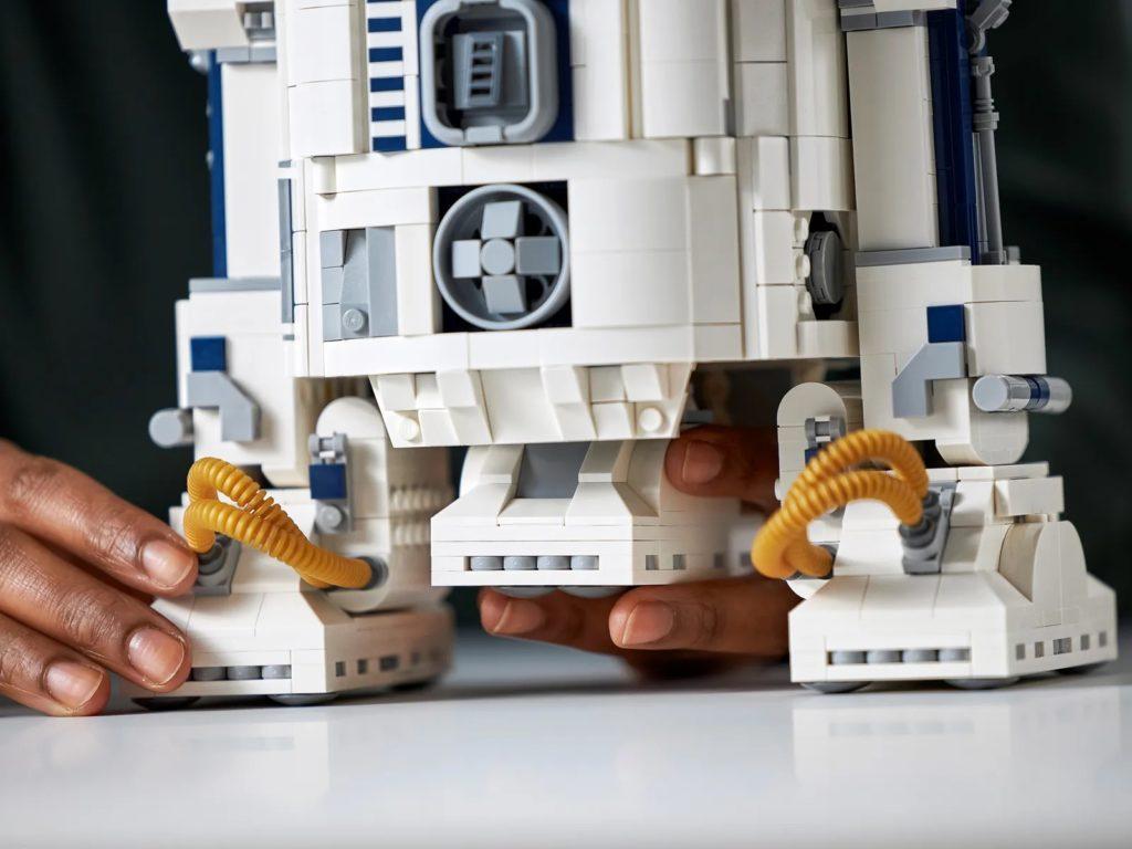 LEGO Star Wars 75308 R2 D2 25