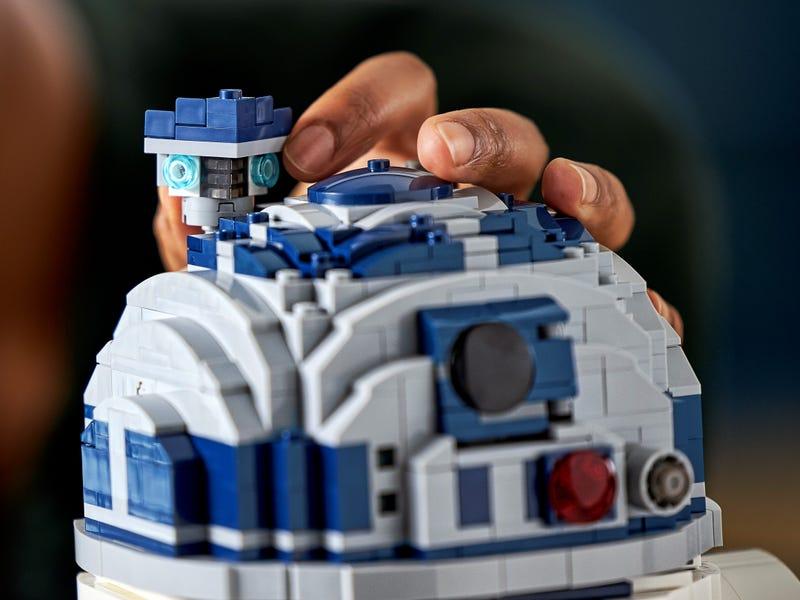 LEGO Star Wars 75308 R2 D2 27
