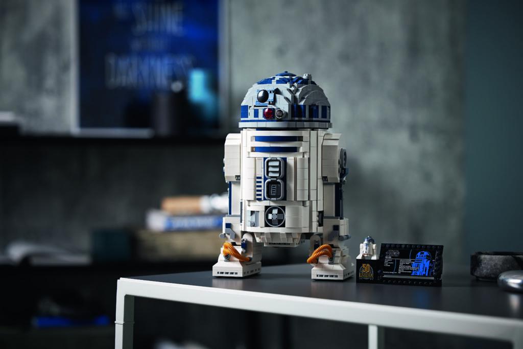 LEGO Star Wars 75308 R2 D2 4