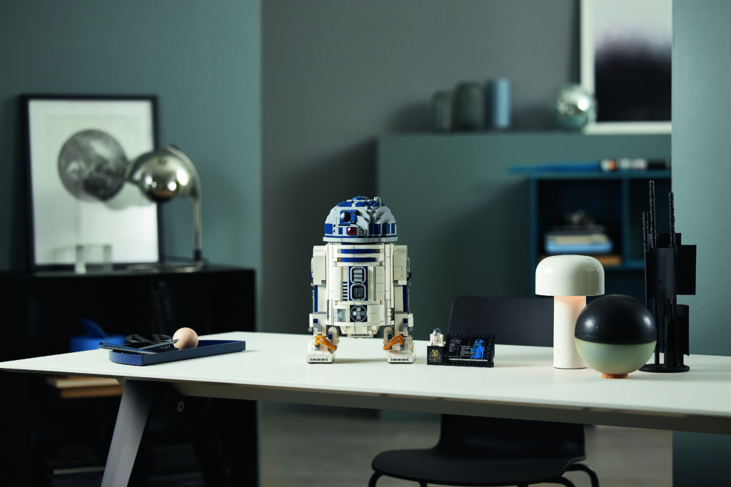 LEGO Star Wars 75308 R2 D2 5