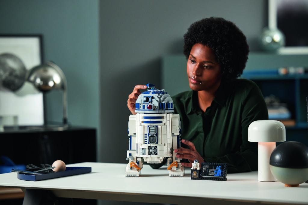 LEGO Star Wars 75308 R2 D2 6