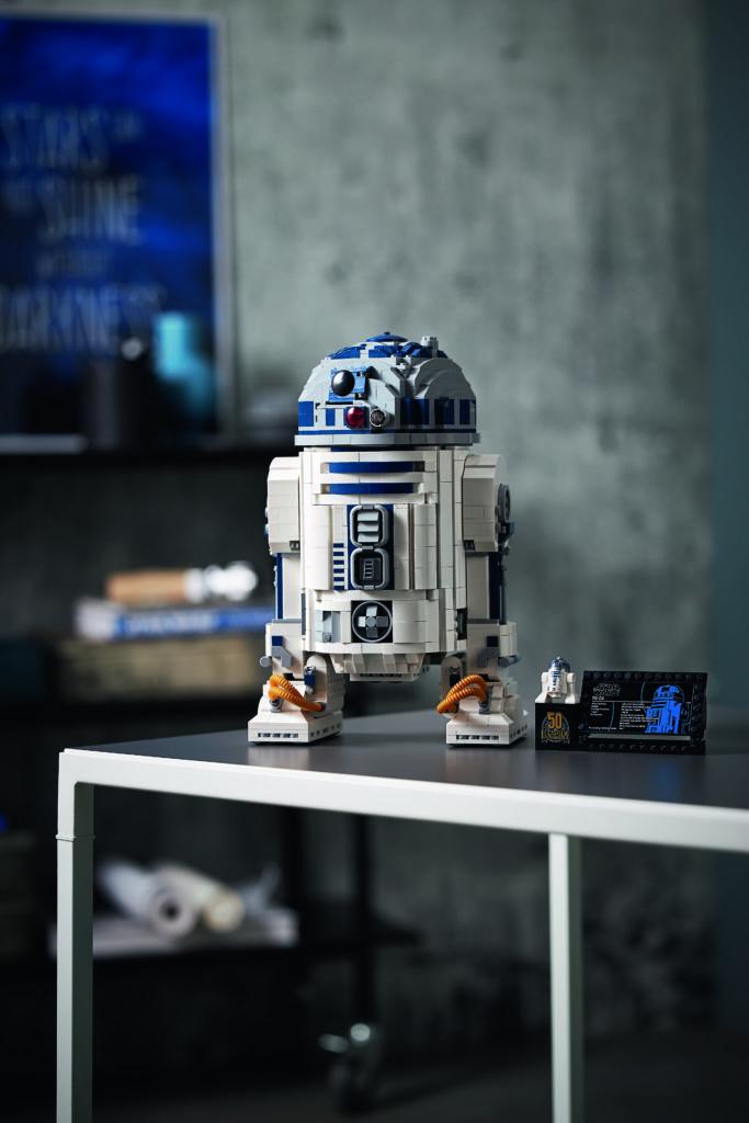 LEGO Star Wars 75308 R2 D2 9