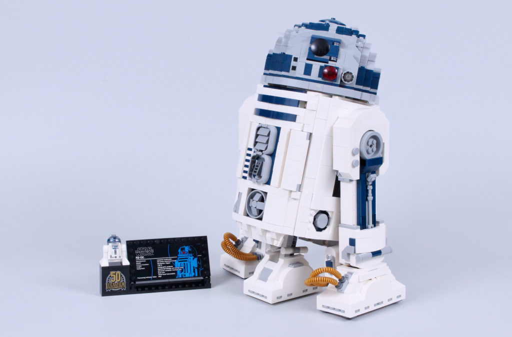 LEGO Star Wars 75308 R2 D2 Review 1