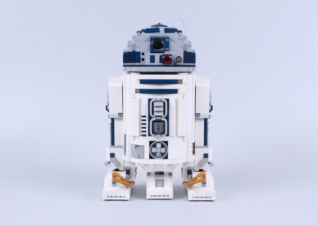 LEGO Star Wars 75308 R2 D2 Review 2