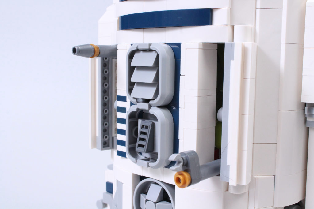 LEGO Star Wars 75308 R2 D2 Review 34