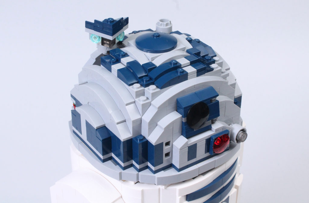 LEGO Star Wars 75308 R2 D2 Review 40