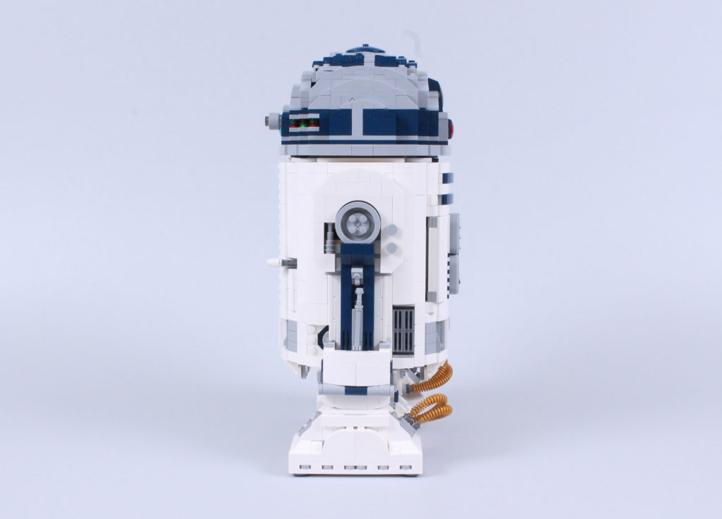 LEGO Star Wars 75308 R2 D2 Review 5