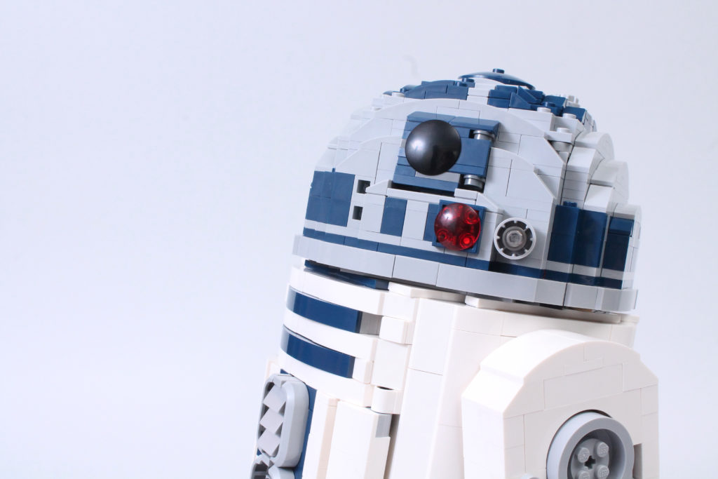 LEGO Star Wars 75308 R2 D2 Review 52