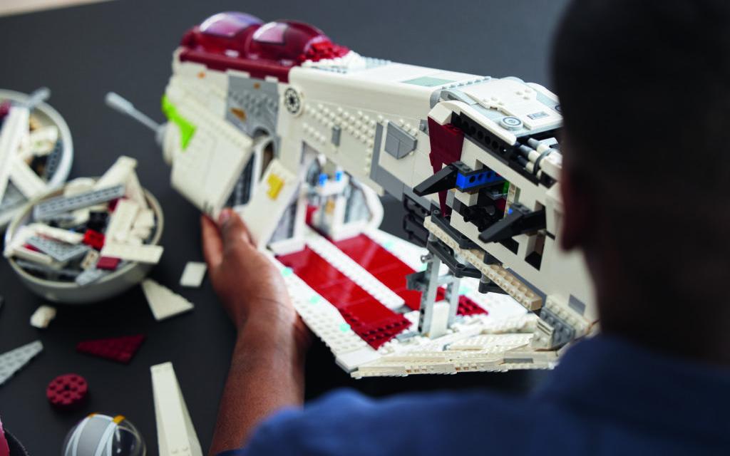 LEGO Star Wars 75309 Republic Gunship 17 edited