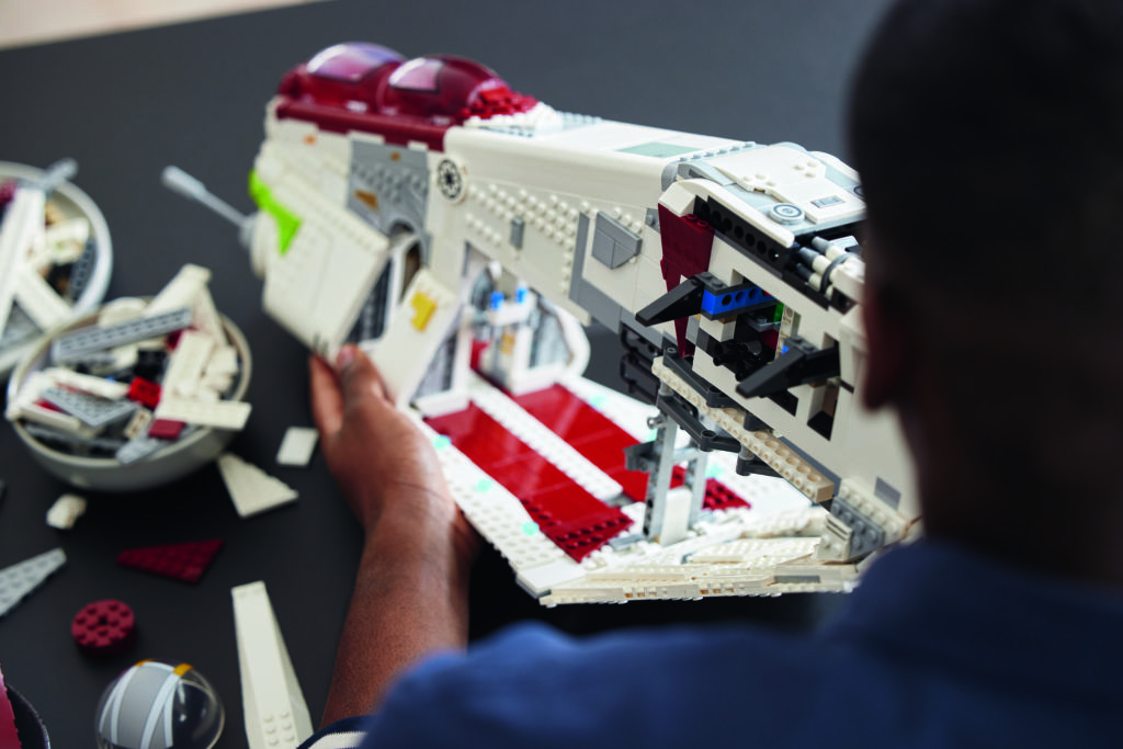 LEGO Star Wars 75309 Republic Gunship 17