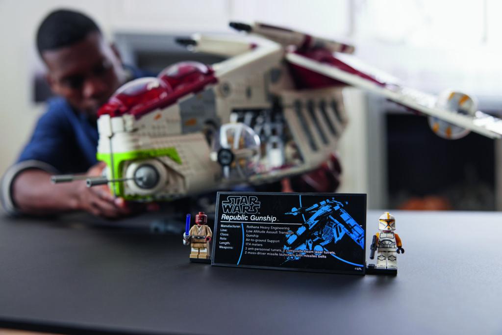 LEGO Star Wars 75309 Republic Gunship 24