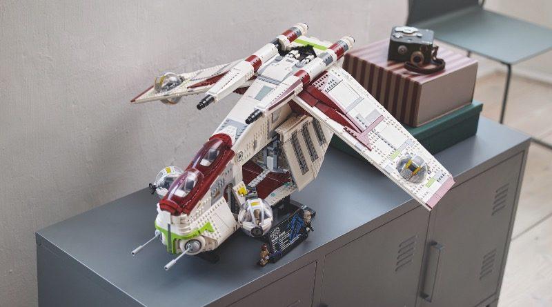 LEGO Star Wars 75309 Republic Gunship featured 5