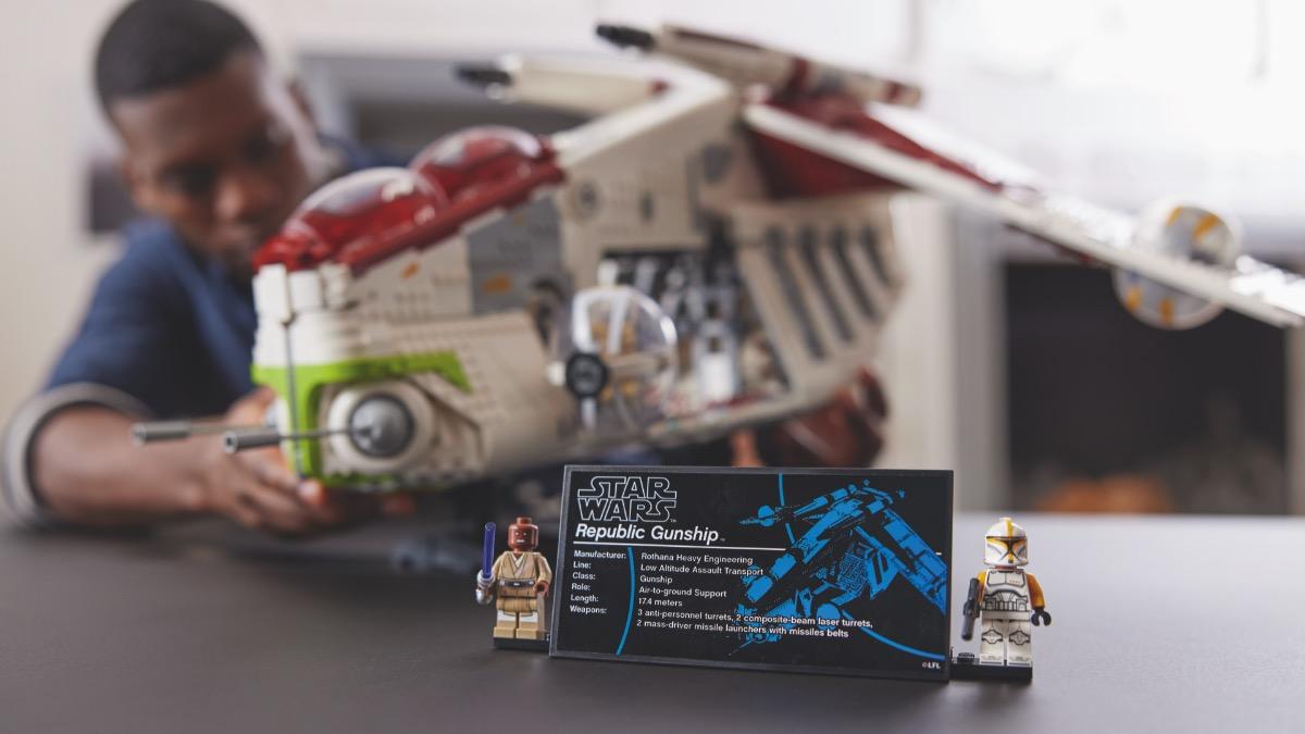LEGO Star Wars 75309 Republic Gunship Featured Resized 2