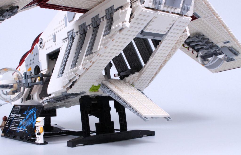 LEGO Star Wars 75309 Republic Gunship review 12