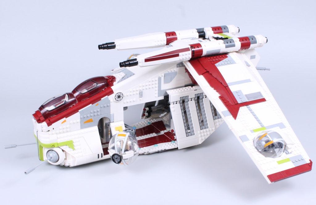 LEGO Star Wars 75309 Republic Gunship review 42