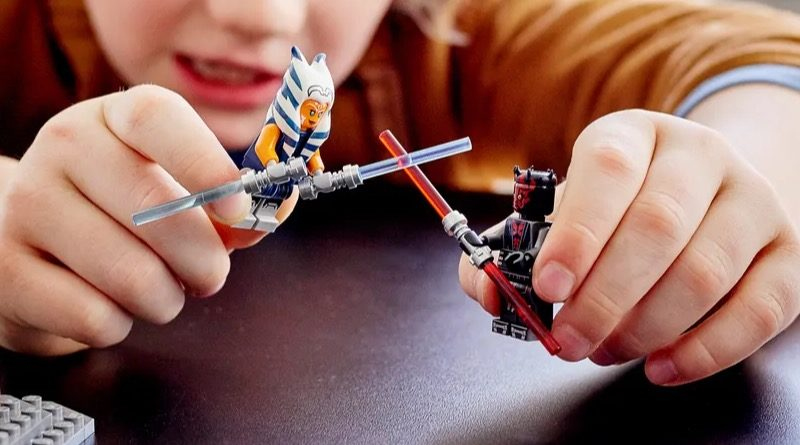 LEGO Star Wars 75310 Duel on Mandalore featured 2