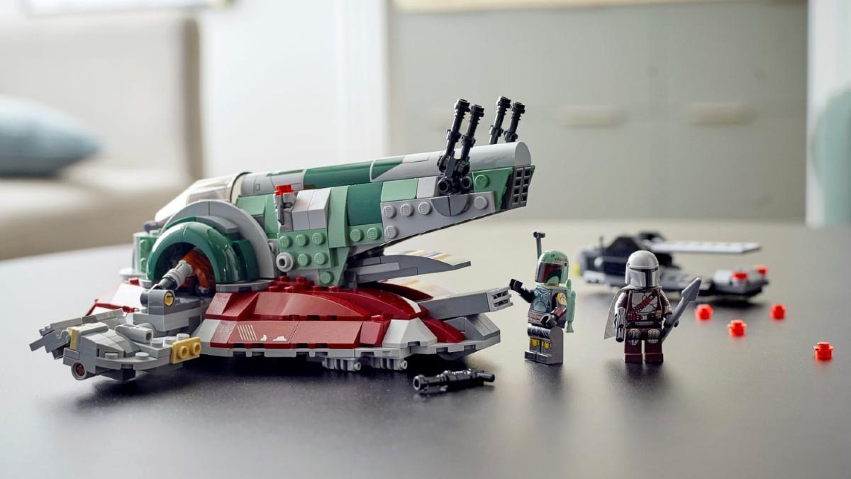 LEGO Star Wars 75312 Boba Fetts Starship Lifestyle Resized Featured