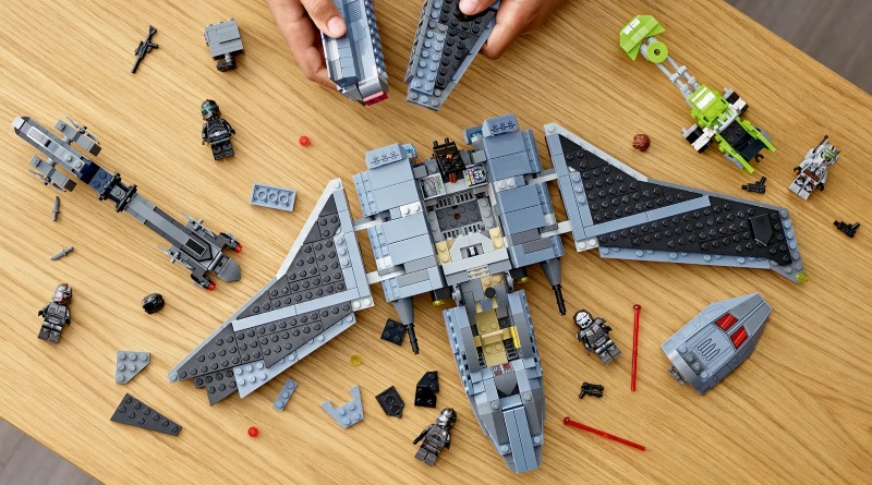 LEGO Star Wars 75314 The Bad Batch Attack Shuttle's build includes a surprising twist