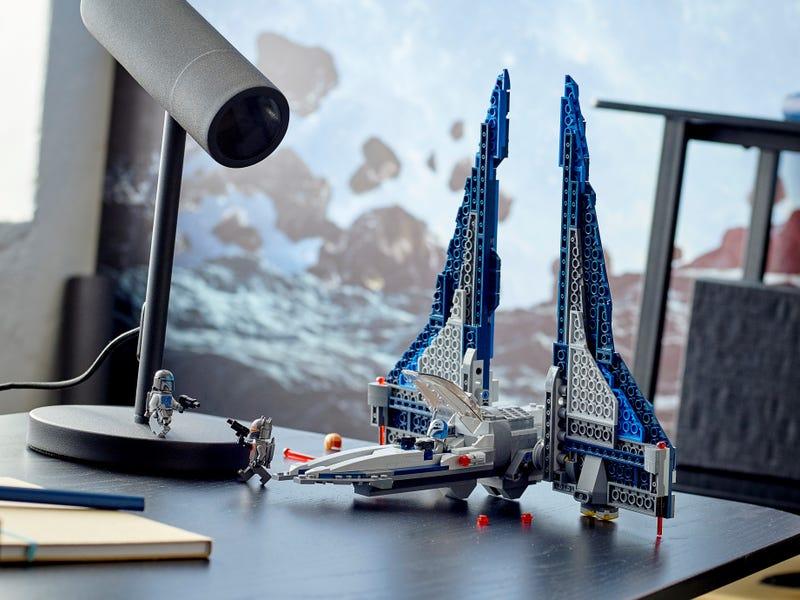 LEGO Star Wars 75316 Mandalorian Starfighter review 32