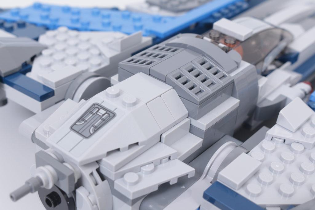 LEGO Star Wars 75316 Mandalorian Starfighter review 9