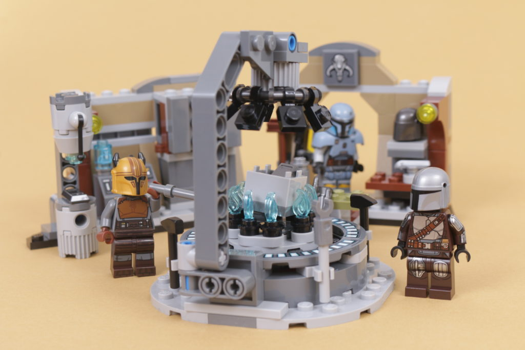 LEGO Star Wars 75319 The Armorers Mandalorian Forge review 39