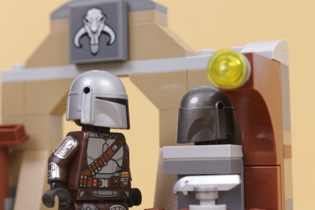 LEGO Star Wars 75319 The Armorers Mandalorian Forge review 46