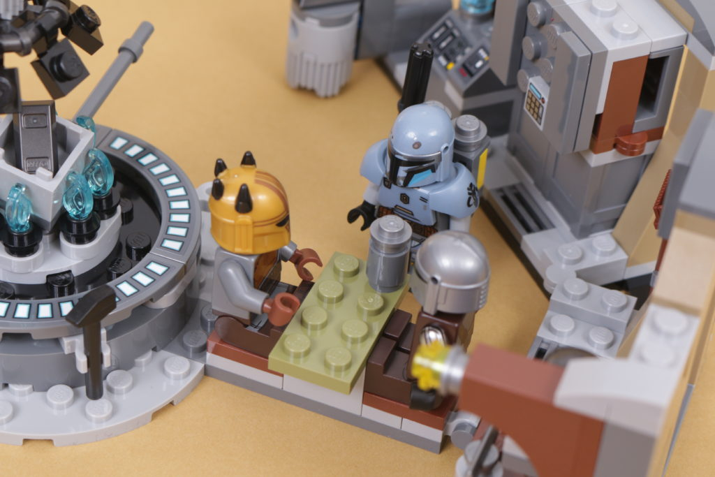 LEGO Star Wars 75319 The Armorers Mandalorian Forge review 48