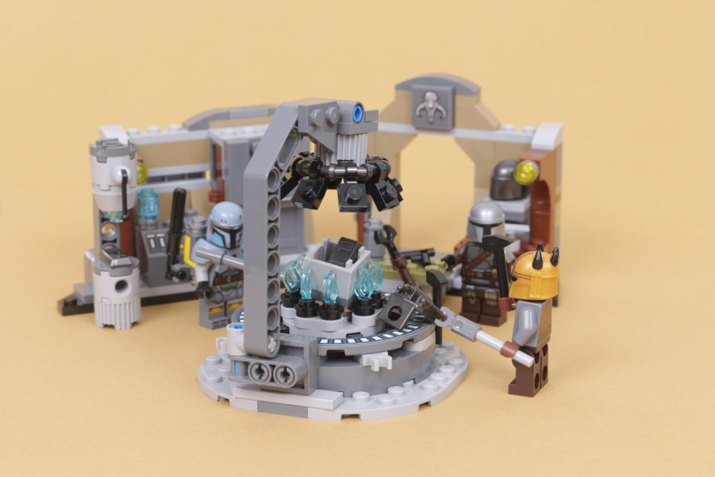 LEGO Star Wars 75319 The Armorers Mandalorian Forge review 50