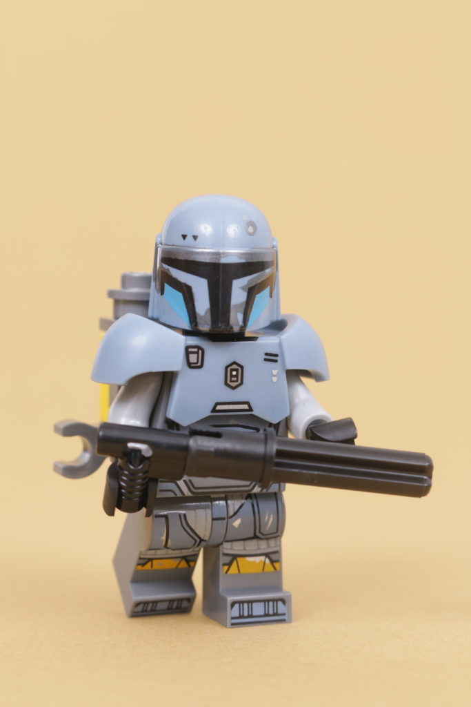 LEGO Star Wars 75319 The Armorers Mandalorian Forge review 51