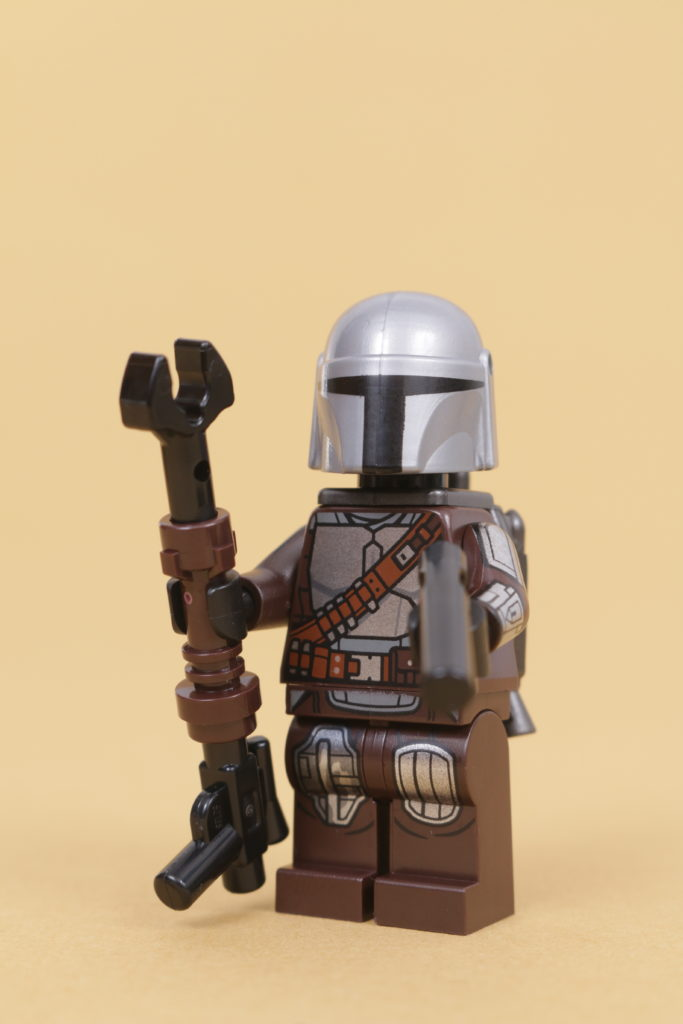 LEGO Star Wars 75319 The Armorers Mandalorian Forge review 52