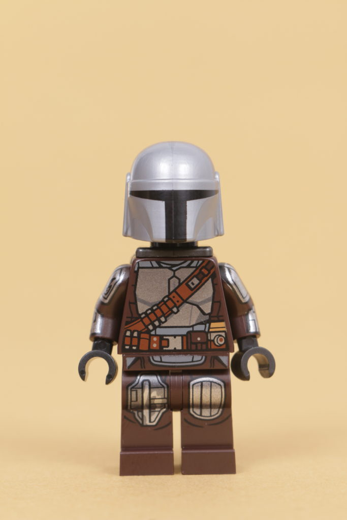 LEGO Star Wars 75319 The Armorers Mandalorian Forge review 62