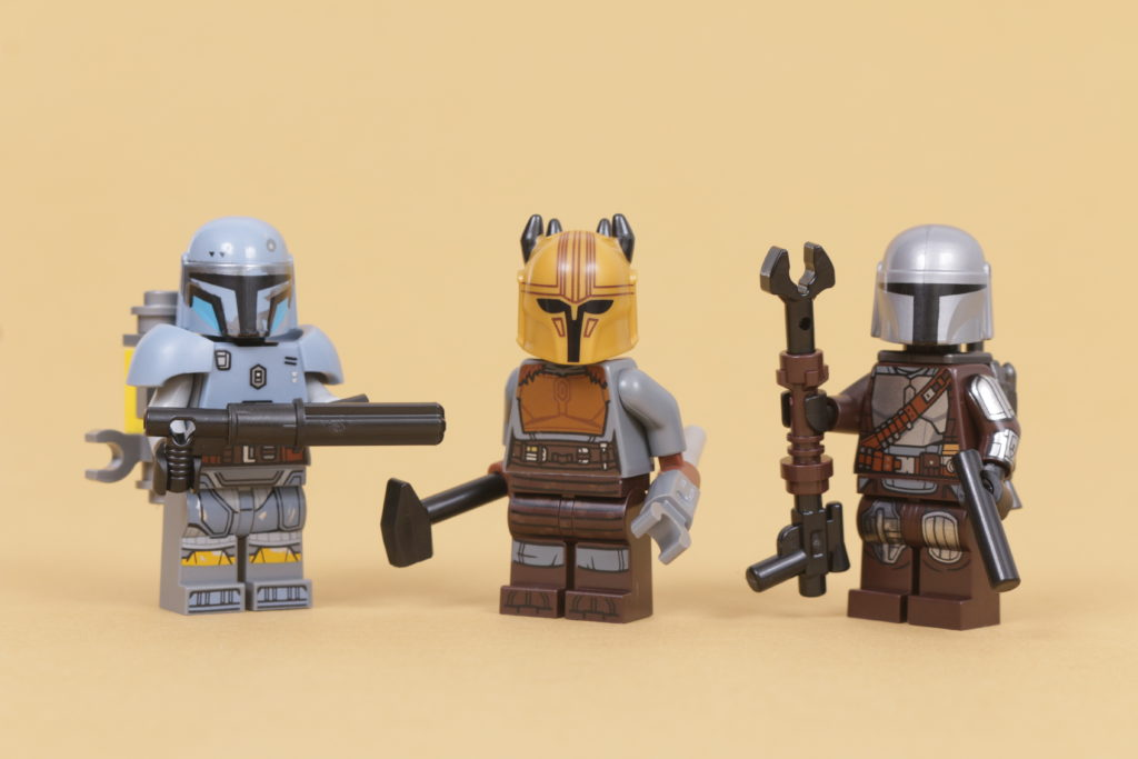 LEGO Star Wars 75319 The Armorers Mandalorian Forge review 68