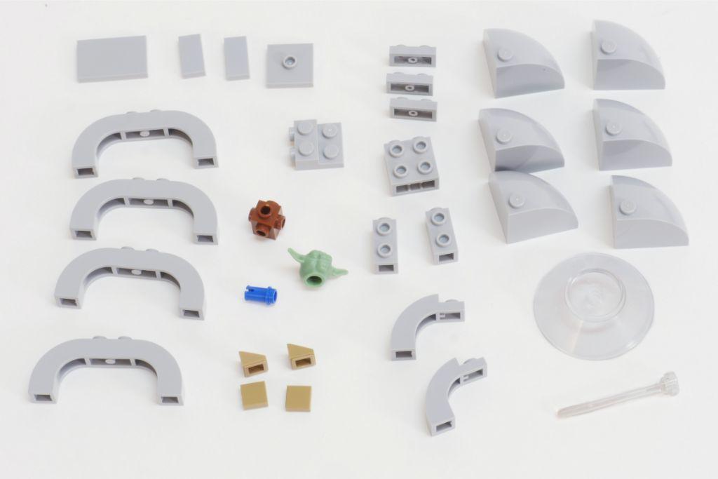 LEGO Star Wars Baby Yoda Build 1