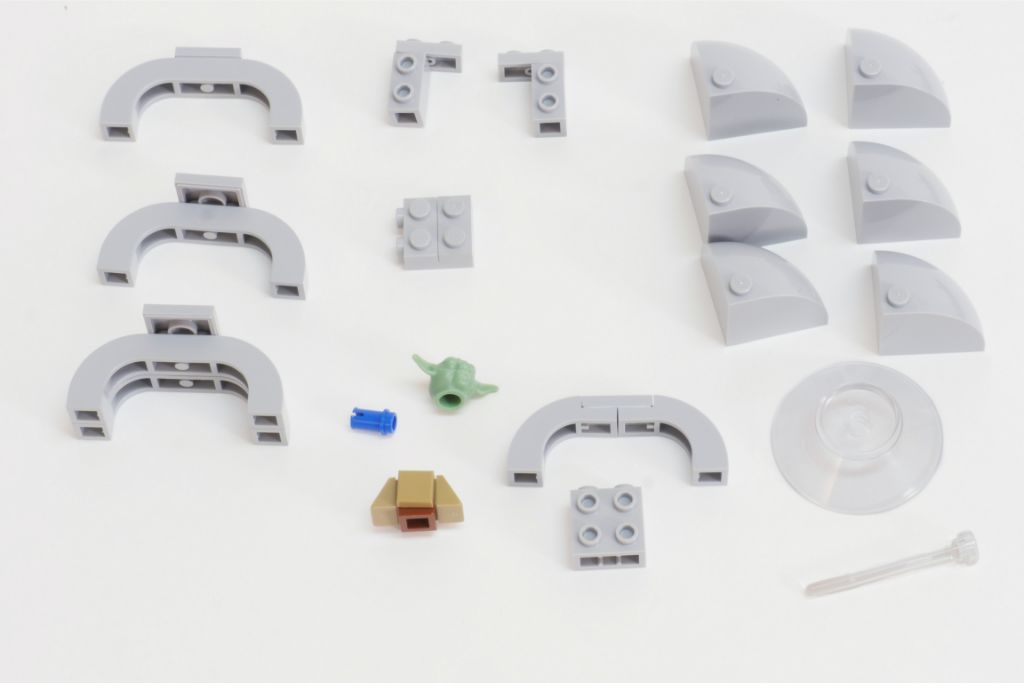LEGO Star Wars Baby Yoda Build 3