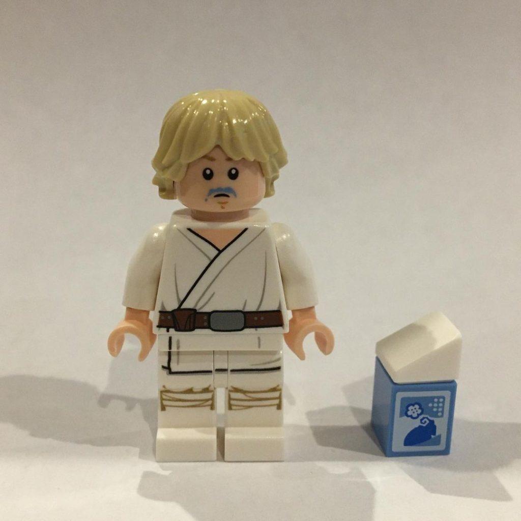 LEGO Star Wars The Skywalker Saga Blue Milk Luke 1 1024x1024