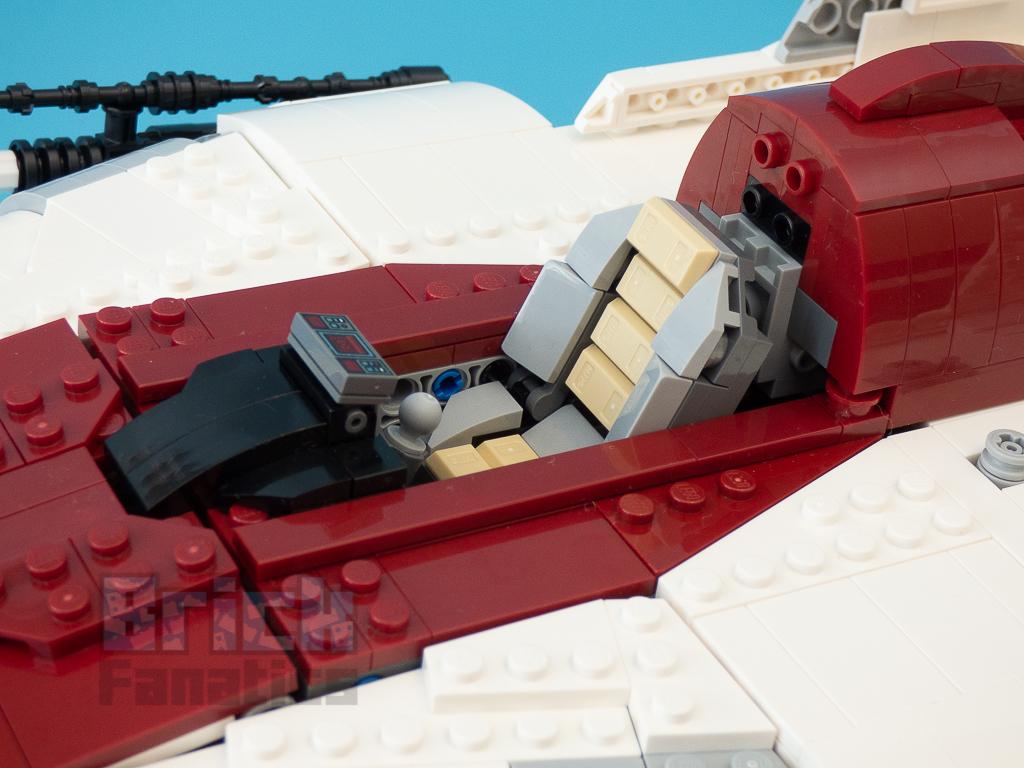 LEGO Star Wars UCS 75275 A Wing Starfighter 70