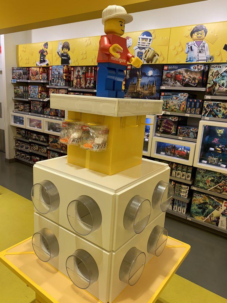 LEGO Stores Build A Minifigure