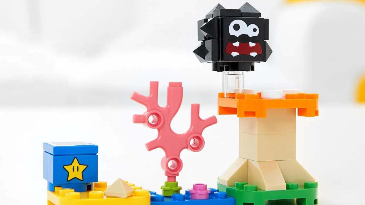 LEGO Super Mario 30389 Fuzzy Mushroom Platform Expansion Set Lifestyle Featured