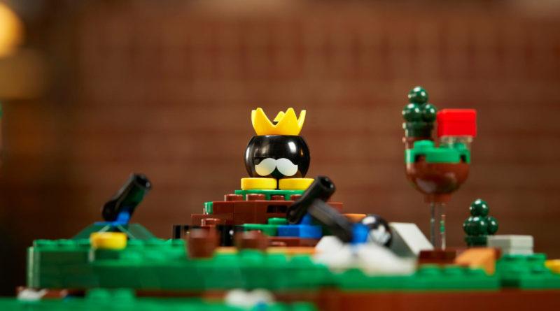 LEGO Super Mario 64 Question Mark Block campo di battaglia bob omb in primo piano