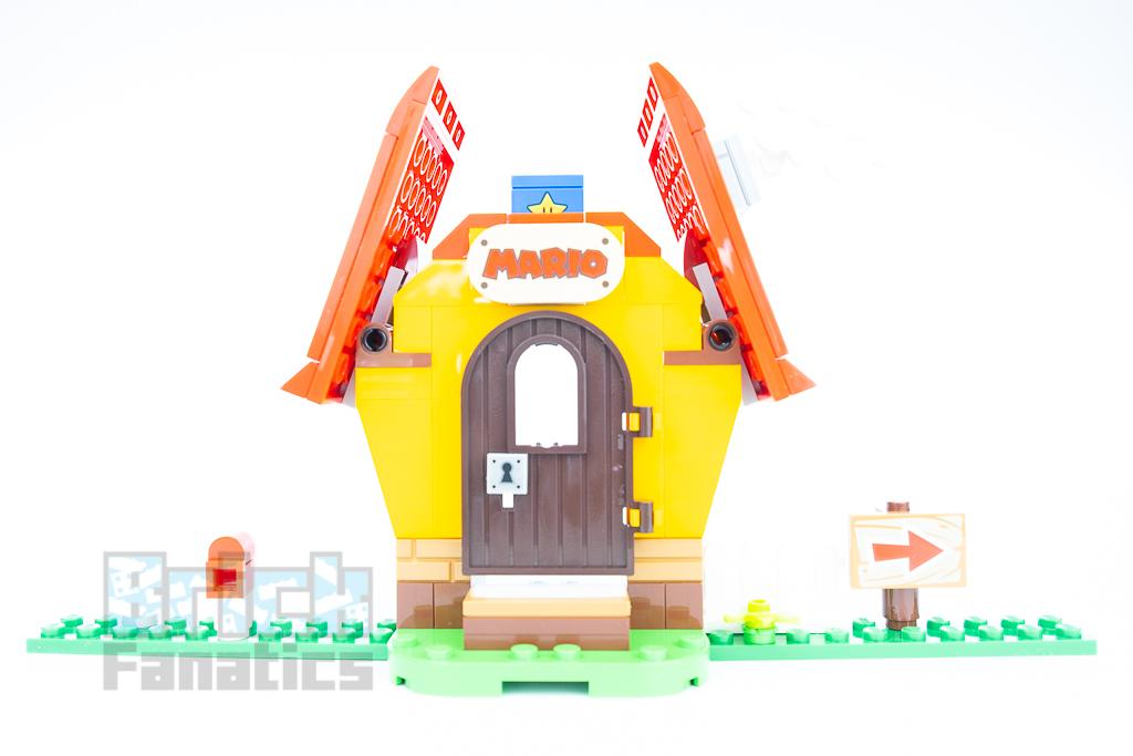LEGO Super Mario 71367 Marios House Yoshi 11
