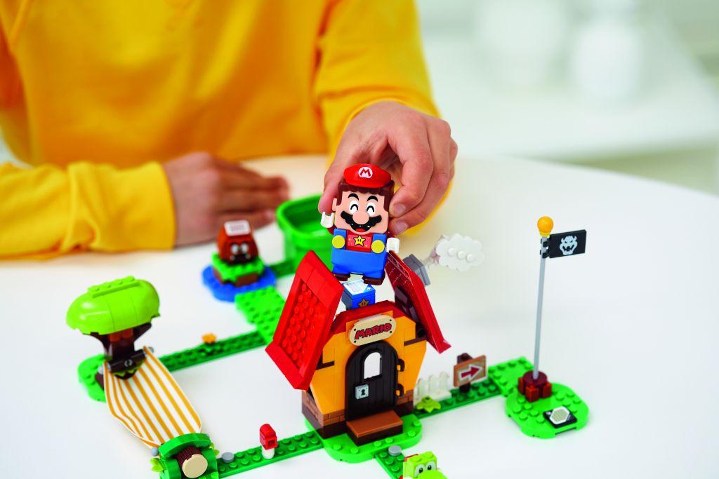 LEGO Super Mario 71367 Marios House Yoshi Expansion Set 1