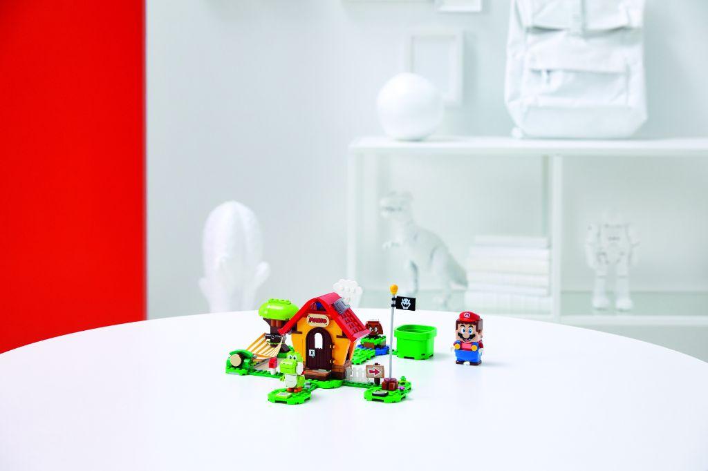 LEGO Super Mario 71367 Marios House Yoshi Expansion Set 4