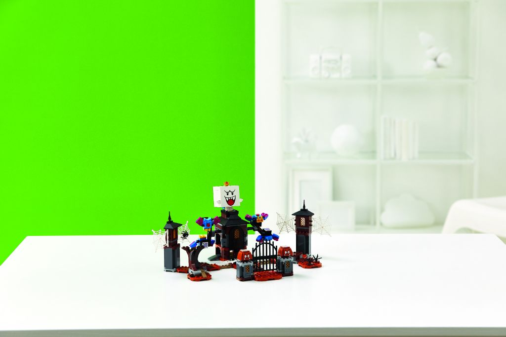 LEGO Super Mario 71377 King Boo And The Haunted Yard Expansion Set 4