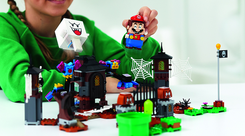 LEGO Super Mario 71377 King Boo And The Haunted Yard Expansion Set Featured 1