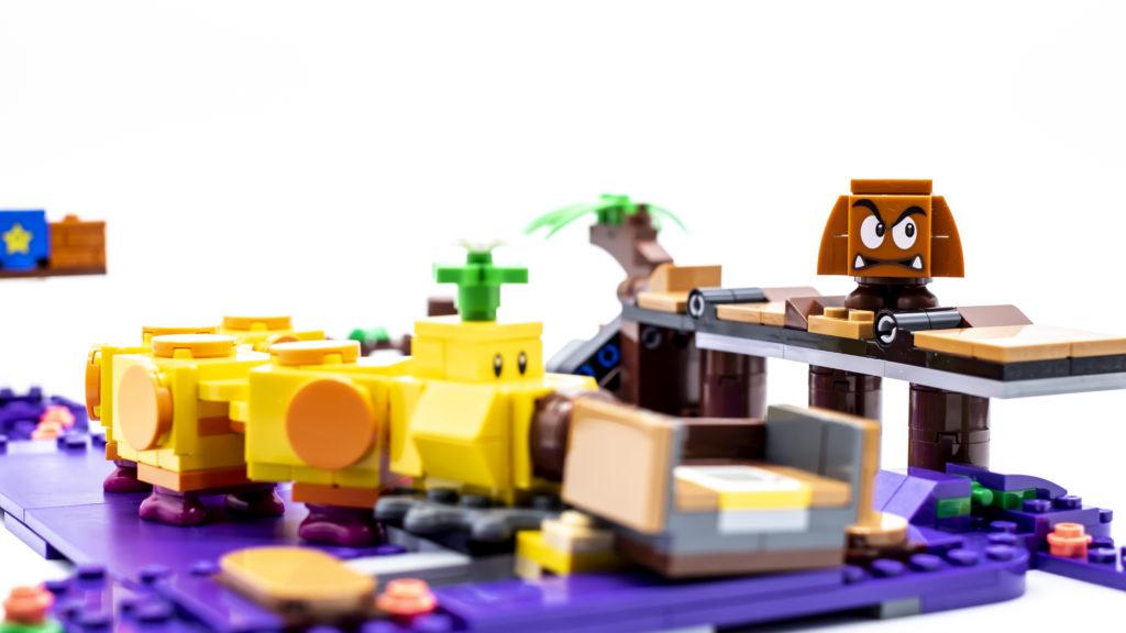 LEGO Super Mario 71383 Wigglers Poison Swamp 10