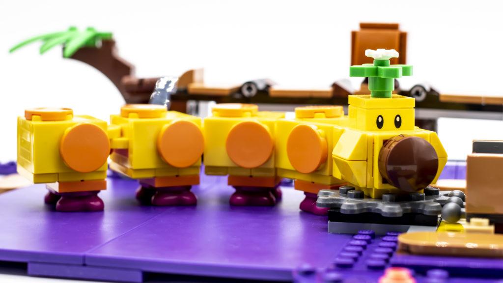 LEGO Super Mario 71383 Wigglers Poison Swamp 11